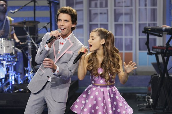 PHOTO: Ariana Grande Performs 'Popular' on JAY LENO