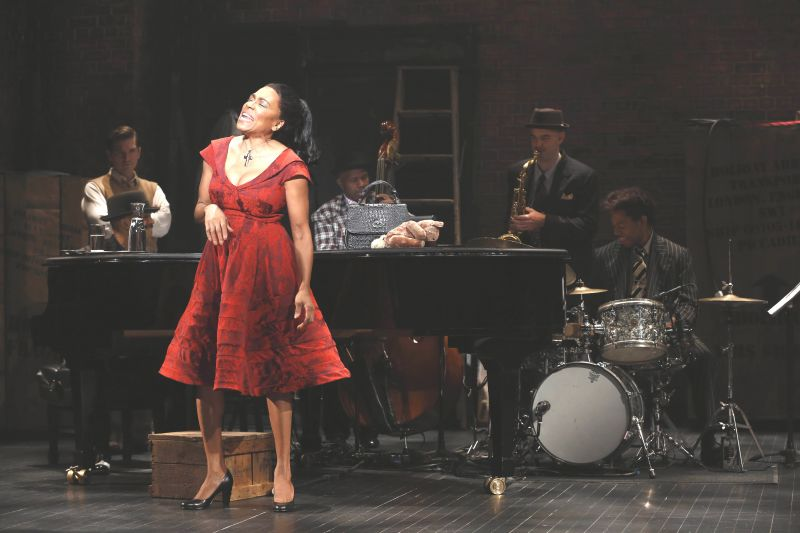 Review - Bridgewater Sublime in Cliché-Ridden LADY DAY