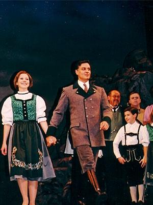 Amanda Watkins, Robert Cuccioli and Nick Jonas (Sound of Music: Opening Night 2003)
