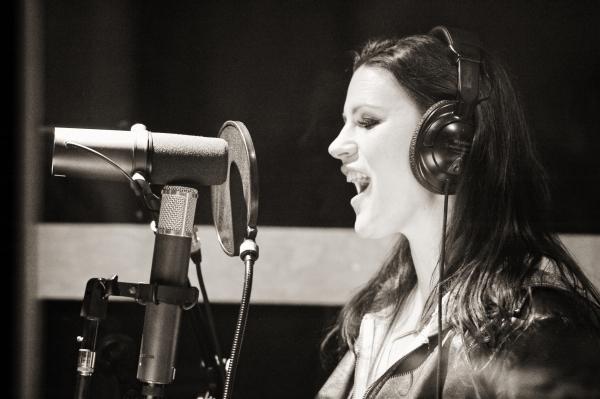 Carrie Manolakos.