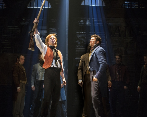 Photo Flash: LES MISERABLES Raises the Barricade in Toronto; First Look at Ramin Karimloo, Earl Carpenter & More on Stage!