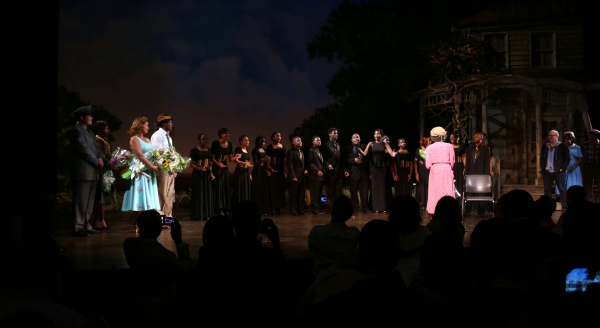 Vanessa Williams, Leon Addison Brown, Cicely Tyson serenaded by her students Photo
