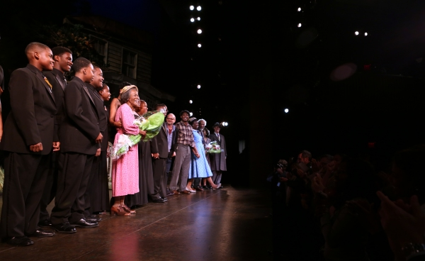 Cicely Tyson with her students and ensemble cast  Photo