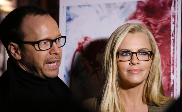 Donnie Wahlberg and Jenny McCarthy  Photo