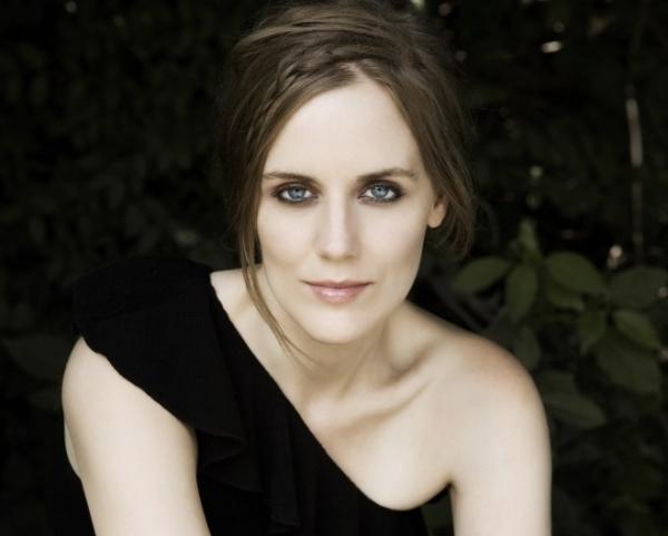 Mezzo-Soprano Rebecca Ringle