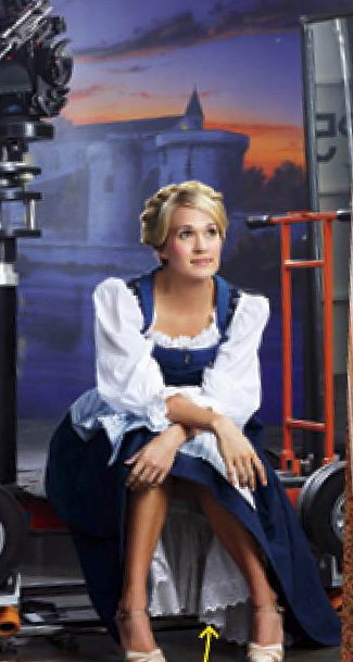 First Photo Of Carrie Underwood In Costume, On Set Of The New SOUND OF MUSIC!