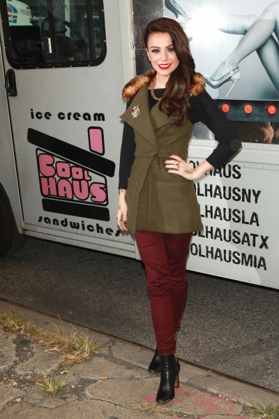 Cher Lloyd distributes Ice cream for charity in New York (Photo by REX USA/MediaPunch Inc)