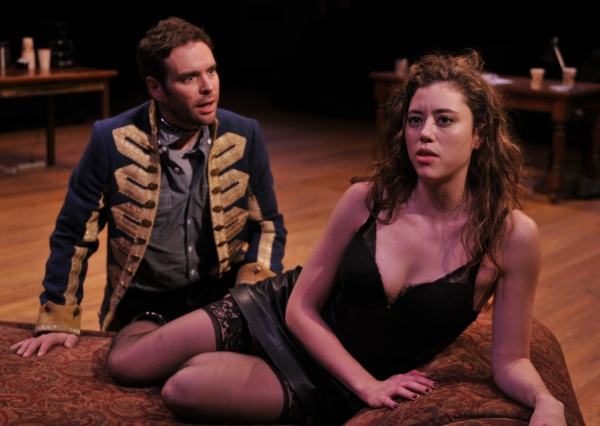 Michael Bakkensen as Thomas and Nicole Rodenburg as Vanda