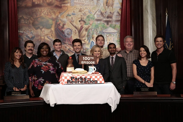 PARKS AND RECREATION -- ''100th Episode Celebration'' -- Pictured: (l-r) Rashida Jones, Nick Offerman, Retta, Michael Schur, Adam Scott, Amy Poehler, Chris Pratt, Aziz Ansari, Jim O''Heir, Aubrey Plaza, Rob Lowe -- (Photo by: Chris Haston/NBC)