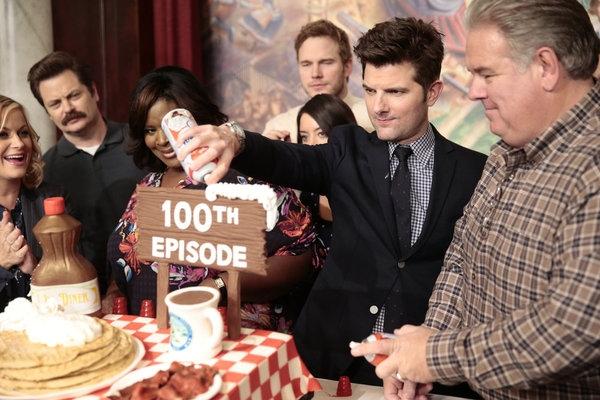 PARKS AND RECREATION -- ''100th Episode Celebration'' -- Pictured: (l-r) Amy Poehler, Nick Offerman, Retta, Aubrey Plaza, Chris Pratt, Adam Scott, Jim O''Heir -- (Photo by: Chris Haston/NBC)
