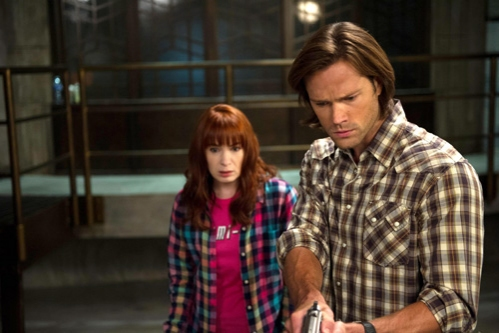 Supernatural -- ''Slumber Party'' -- Image SN904a_0058 -- Pictured (L-R): Felicia Day as Charlie and Jared Padalecki as Sam -- Credit: Diyah Pera/The CW --  © 2013 The CW Network, LLC. All Rights Reserved