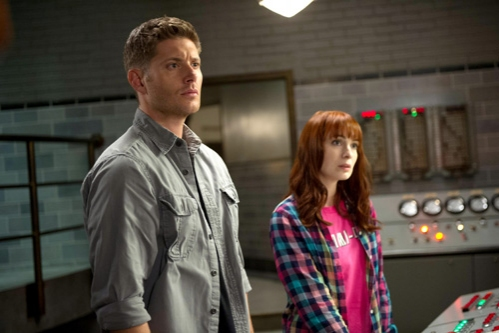 Supernatural -- ''Slumber Party'' -- Image SN904a_0247 -- Pictured (L-R): Jensen Ackles as Dean and Felicia Day as Charlie -- Credit: Diyah Pera/The CW --  © 2013 The CW Network, LLC. All Rights Reserved
