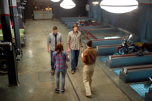 Supernatural -- ''Slumber Party'' -- Image SN904b_0037 -- Pictured (L-R): Jensen Ackles as Dean, Felicia Day as Charlie, Jared Padalecki as Sam, and Tiio Horn as Dorothy -- Credit: Diyah Pera/The CW --  © 2013 The CW Network, LLC. All Rights Reserved