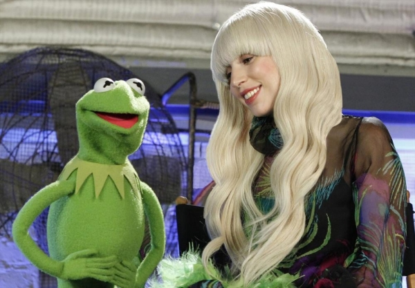 LADY GAGA & THE MUPPETS'' HOLIDAY SPECTACULAR - On Thanksgiving night, THURSDAY, NOV. 28 (9:30-11:00pm, ET), the ABC Television Network will air a 90-minute special, ''Lady Gaga & the Muppets'' Holiday Spectacular,'' an avant-garde twist on the classic ho