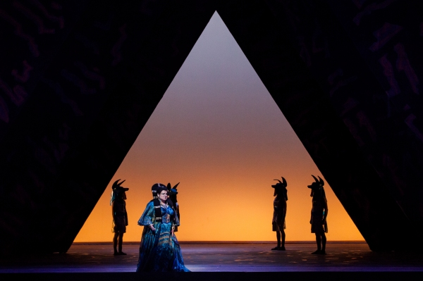 BWW Reviews: Houston Grand Opera's AIDA is Spellbinding and Sumptuous