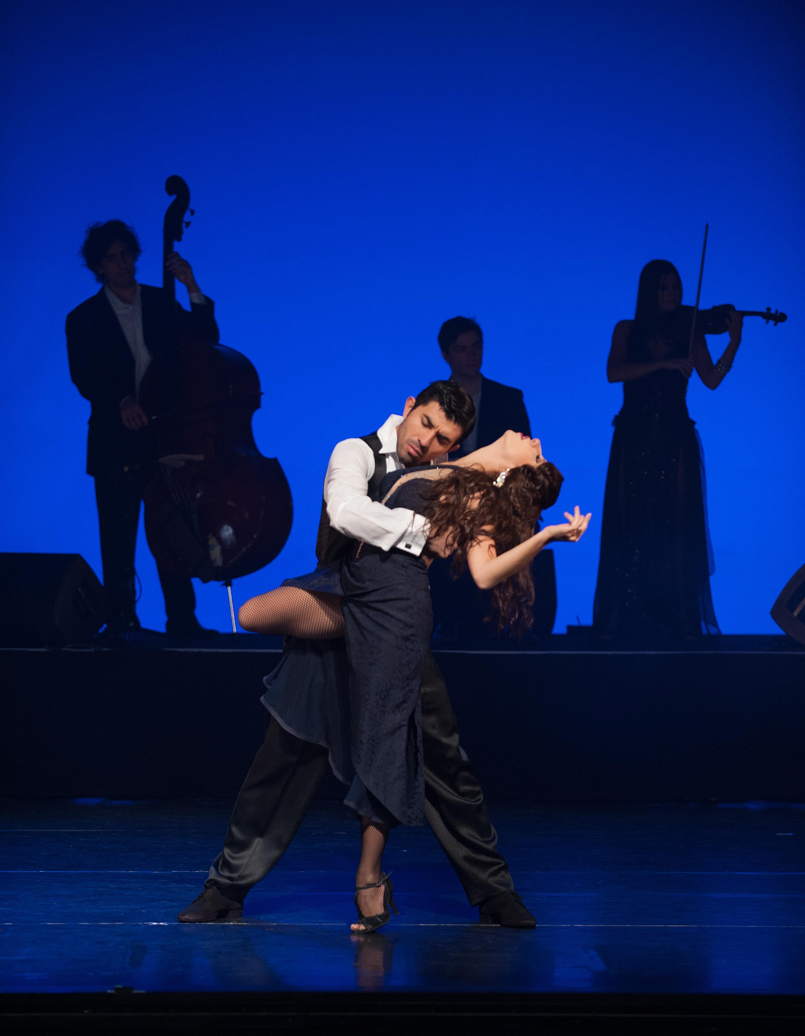 BWW Reviews: TANGO FIRE Ignites Audiences at Winter Garden Theatre