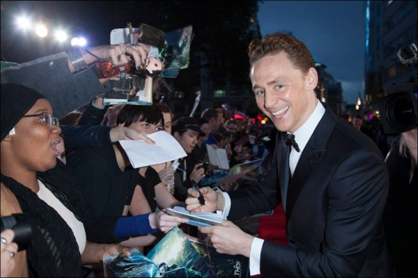Photo Flash: Chris Hemsworth, Natalie Portman & More Attend THOR: THE DARK WORLD's London Premiere