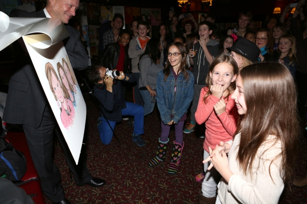Photo Coverage: MATILDA's Leading Ladies Get Surprise Portrait at Sardi's