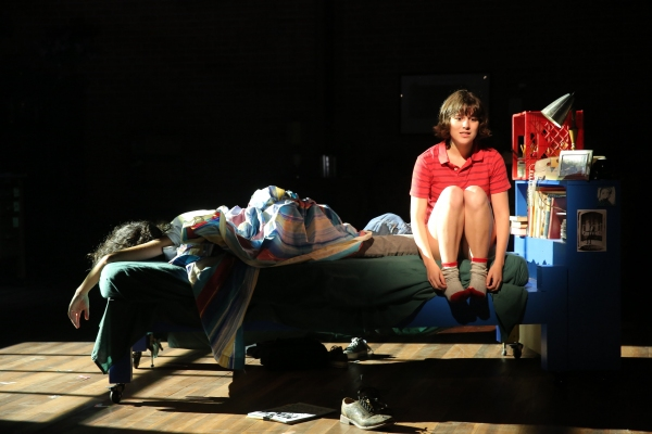 Review:  Kron and Tesori's FUN HOME a Thrilling and Brave New Musical