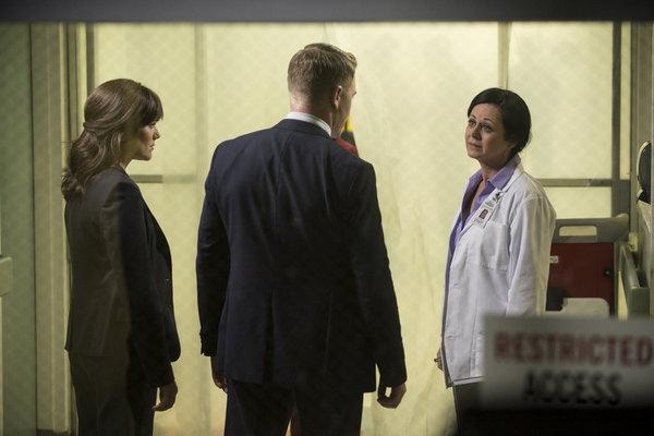 THE BLACKLIST -- ''Frederick Barnes'' Episode 106 -- Pictured: (l-r) Megan Boone as Elizabeth Keen, Diego Klattenhoff as Donald Ressler, Geraldine Hughes as Nina Buckner -- (Photo by: David Giesbrecht/NBC)