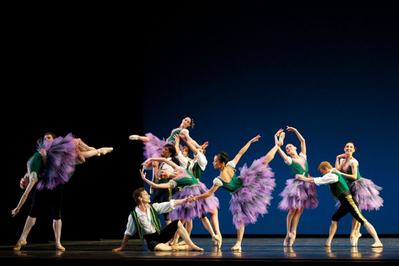 BWW Reviews: San Francisco Ballet's From Foreign Lands - Symphonic Dances - Suite en Blanc