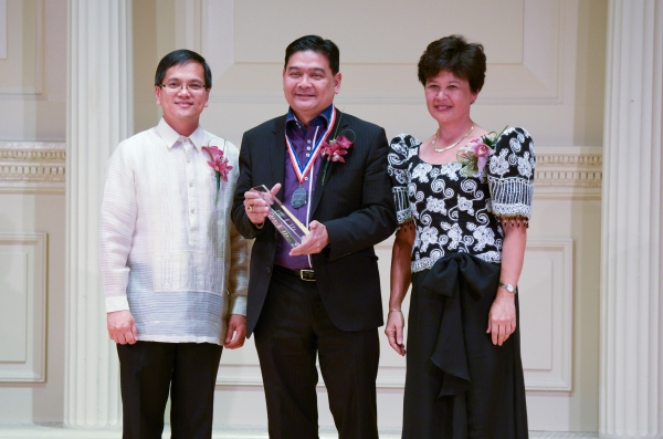 DCG Zaldy Patron, Edwin Josue (for the Foundation for Filipino Artists Inc.), Judge Lorna Schofield