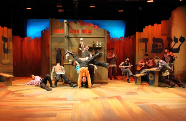 Photo Flash First Look At Human Race Theatre S Fiddler On