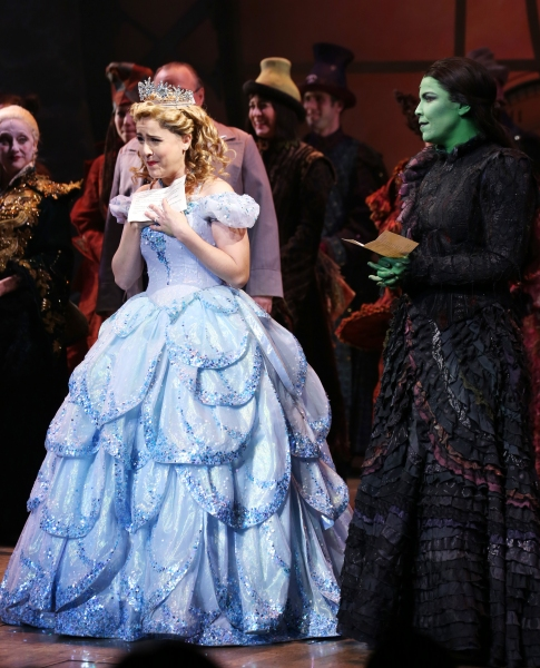 Photo Coverage: WICKED's 10th Anniversary Cast Curtain Call Broadway Celebration!