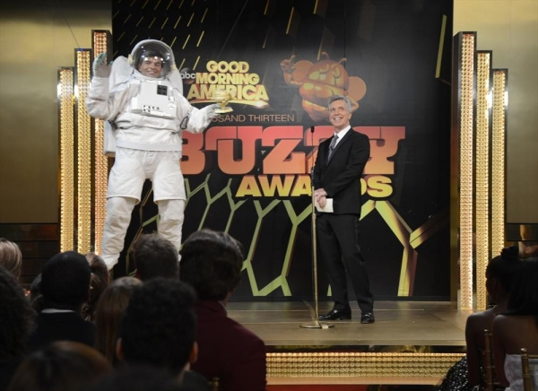 GOOD MORNING AMERICA - Coverage of GOOD MORNING AMERICA''s Halloween Show featuring the ''Buzzy Awards,'' 10/31/13, airing on the ABC Television Network.   (ABC/Ida Mae Astute)GEORGE STEPHANOPOULOS, TOM BERGERON