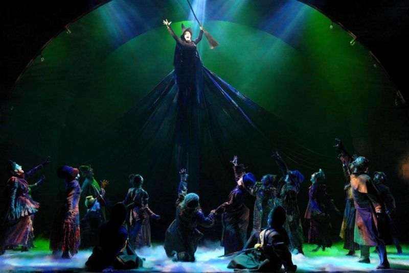 FLASH FRIDAY: WICKED's 10th Anniversary Celebration Round-Up, Green & Swankified!