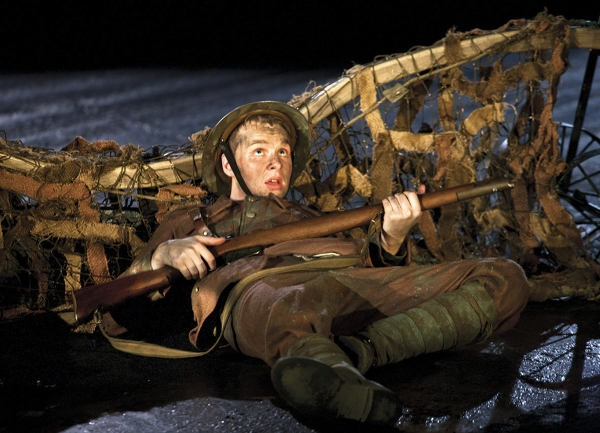 Photo Flash War Horse At New London Theatre