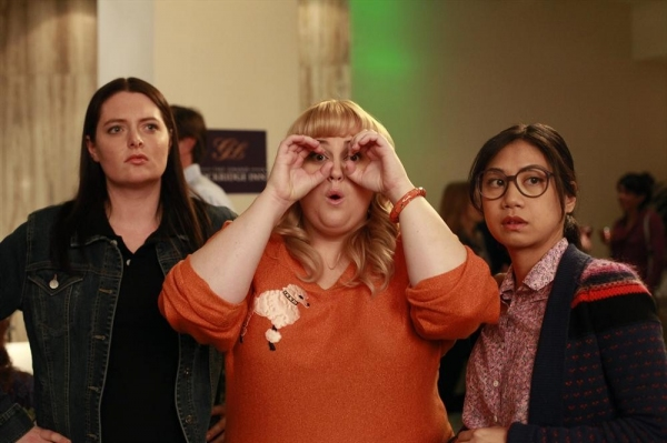 SUPER FUN NIGHT - ''The Love Lioness'' - Kimmie and the gang decide to attend a seminar by Jane Spencer, ''The Love Lioness,'' (guest star Molly Shannon) a relationship guru who likens finding men to hunting prey in the wild. They try her theories out at