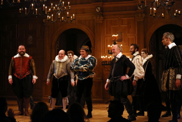 Mark Rylance and the cast  Photo