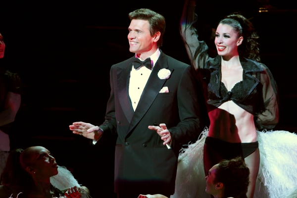 BWW Reviews: Broadway Across America - Houston's CHICAGO is Wildly Entertaining