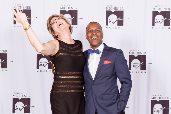 Photo Flash: Leslie Odom, Jr. Performs at Gala Opening for Michener Art Museum Grace Kelly Exhibition