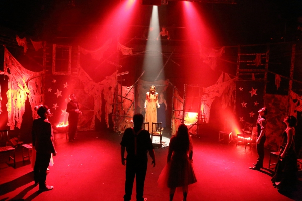 Hilary Cole and the Cast of CARRIE Photo