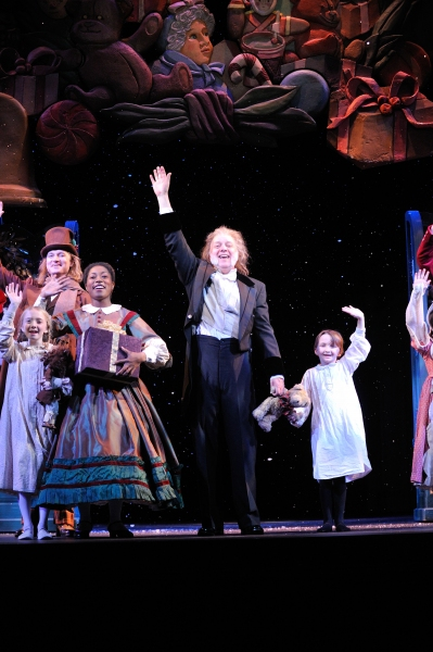 Great Lakes Theater rings in the holiday season with its 25th anniversary production  Photo
