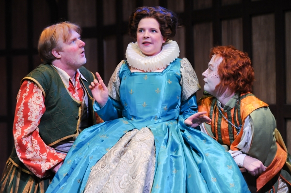 Jim Hopkins as Sir Toby, Miranda McGee as Maria and Justin McCombs as Sir Andrew