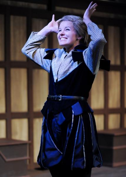 Maggie Lou Rader as Viola