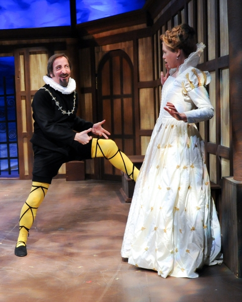 Paul Riopelle as Mavolio and Corinne Mohlenhoff as Olivia