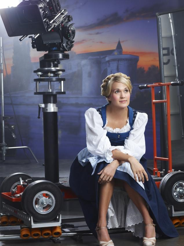 New 'Do-Re-Mi' Music Video For THE SOUND OF MUSIC With Carrie Underwood & More
