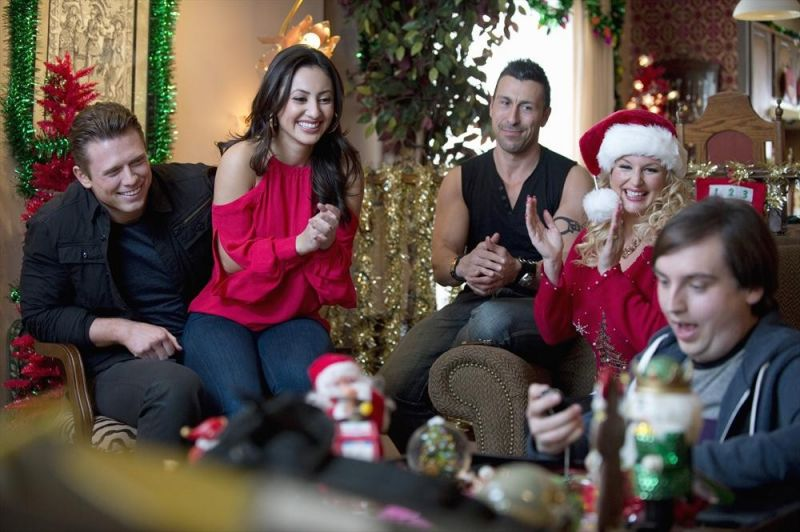 BWW Interviews: Francia Raisa & WWE's Mike 'The Miz' Mizanin Chat ABC Family's CHRISTMAS BOUNTY
