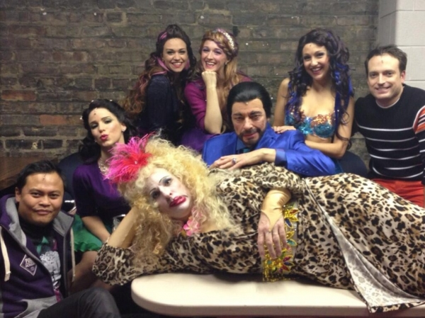 Photo Flash: Saturday Intermission Pics, Nov 23 - First SIP from BEAUTIFUL; HAPPY FELLA 'Catches Fire' and More!