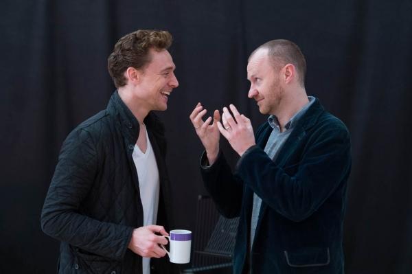 Tom Hiddleston, Mark Gatiss