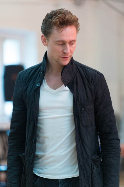 Photos: In Rehearsal with Tom Hiddleston & More for Donmar Warehouse's CORIOLANUS