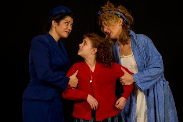 Photo Flash: First Look at Farmington Players Barn's ANNIE