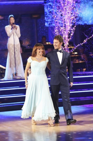 DANCING WITH THE STARS - ''Episode 1711A'' - Valerie Harper danced with partner Tristan MacManus to a version of ''What a Wonderful World'' by singer Colbie Caillat, on the two-hour Season Finale on ''Dancing with the Stars,'' TUESDAY, NOVEMBER 26 (9:00-1
