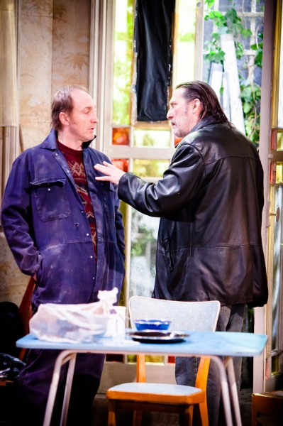 Photo Flash: First Look at Ciaran Hinds and More in Atlantic Theater's THE NIGHT ALIVE