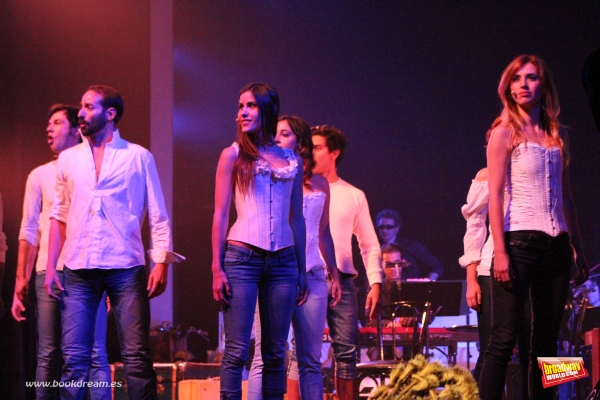Manu Pilas, Ruben Yuste, Diana Roig, Laura Enrech, Victor Arbelo y Marta Capel Photo