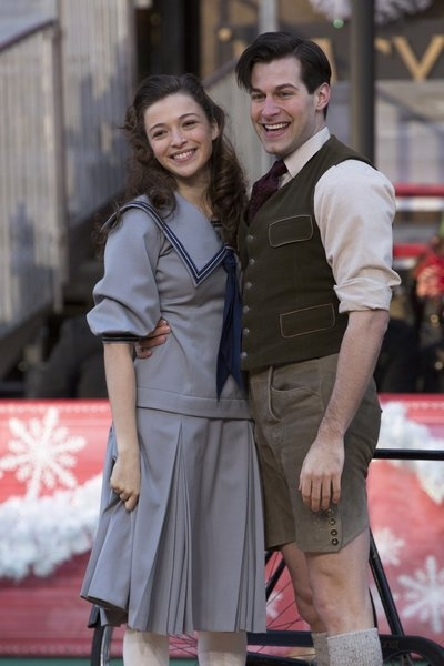 Photo Flash: SOUND OF MUSIC Cast Performs at Macy's Thanksgiving Day Parade